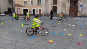 """jeu à vélo """"les minots à vélo"""""""