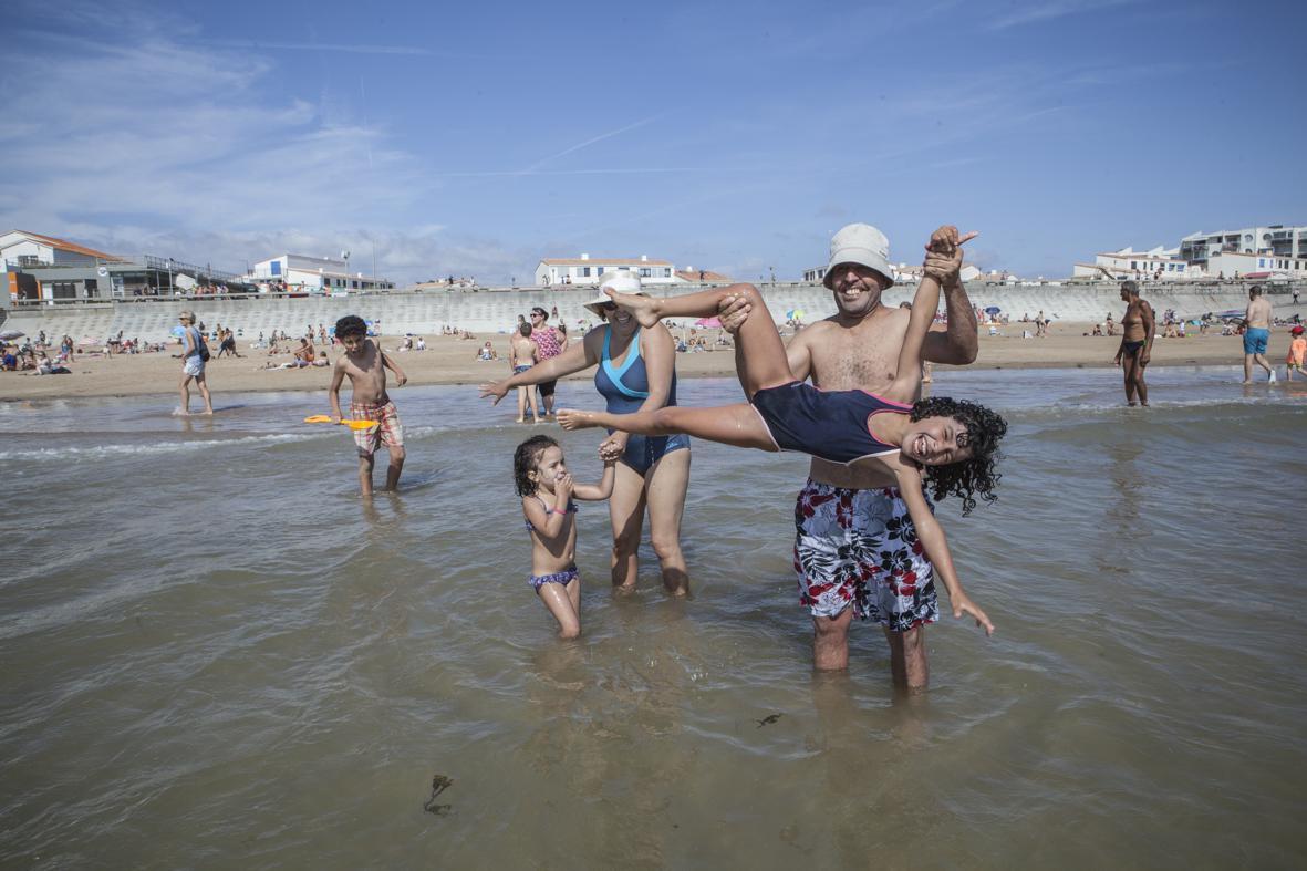 Clic Saint Gilles Croix De Vie une journée à la mer en famille : « du bonheur pour tout le