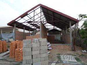 local des sanitaires du Lycée Tan Mixay en construction – Juin 2014