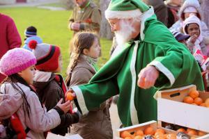 Les Pères Noël verts partent en tournée