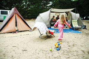 Convergence 342, camping