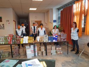 Les jeunes des quartiers populaires de Dôle se mobilisent auprès des personnes en difficultés aidées par le Secours populaire du Jura. Un engagement précieux.