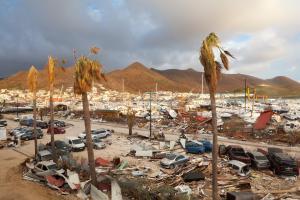 Après le passage des ouragans, scène de désolation à Saint-Martin