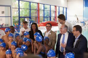 Lundi 23 octobre au centre aquatique Récréa de Bois-Colombes, lancement de l'opération Comme un poisson dans l'eau, en présence de la  ministre des Sports Laura Flessel et du champion du monde Camille Lacourt.