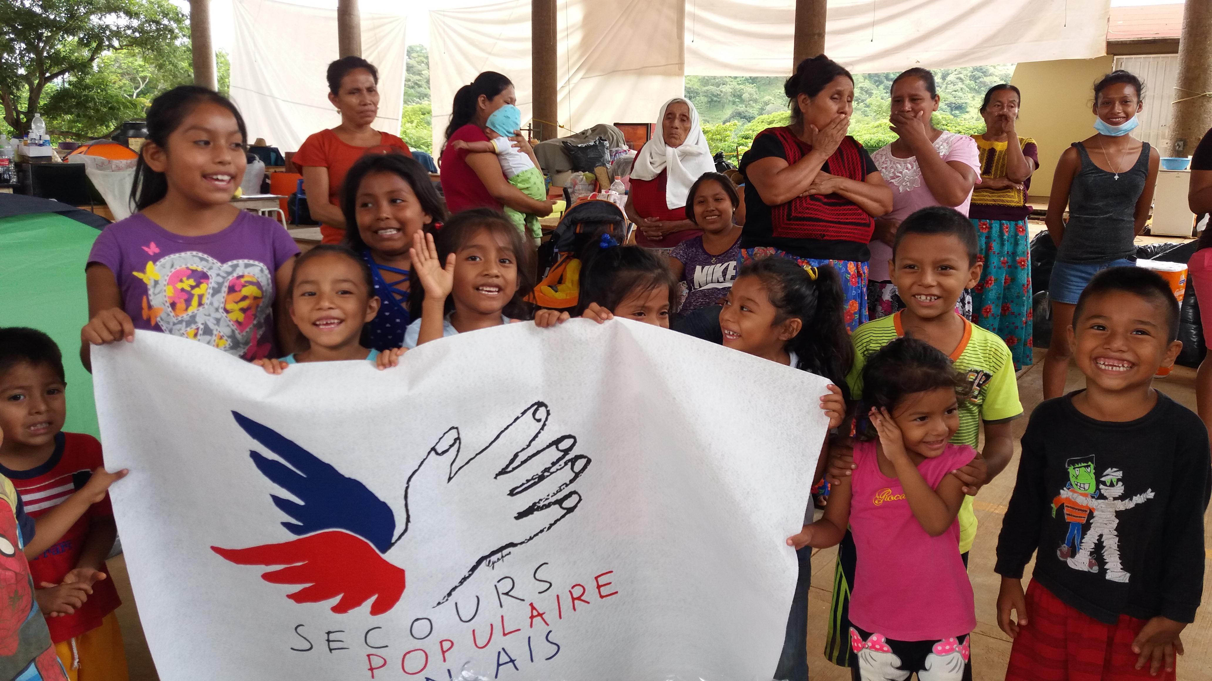 Les enfants aux Antilles et au Mexique font l'expérience de la solidarité internationale, à travers l'aide acheminée par le SPF et ses partenaires.