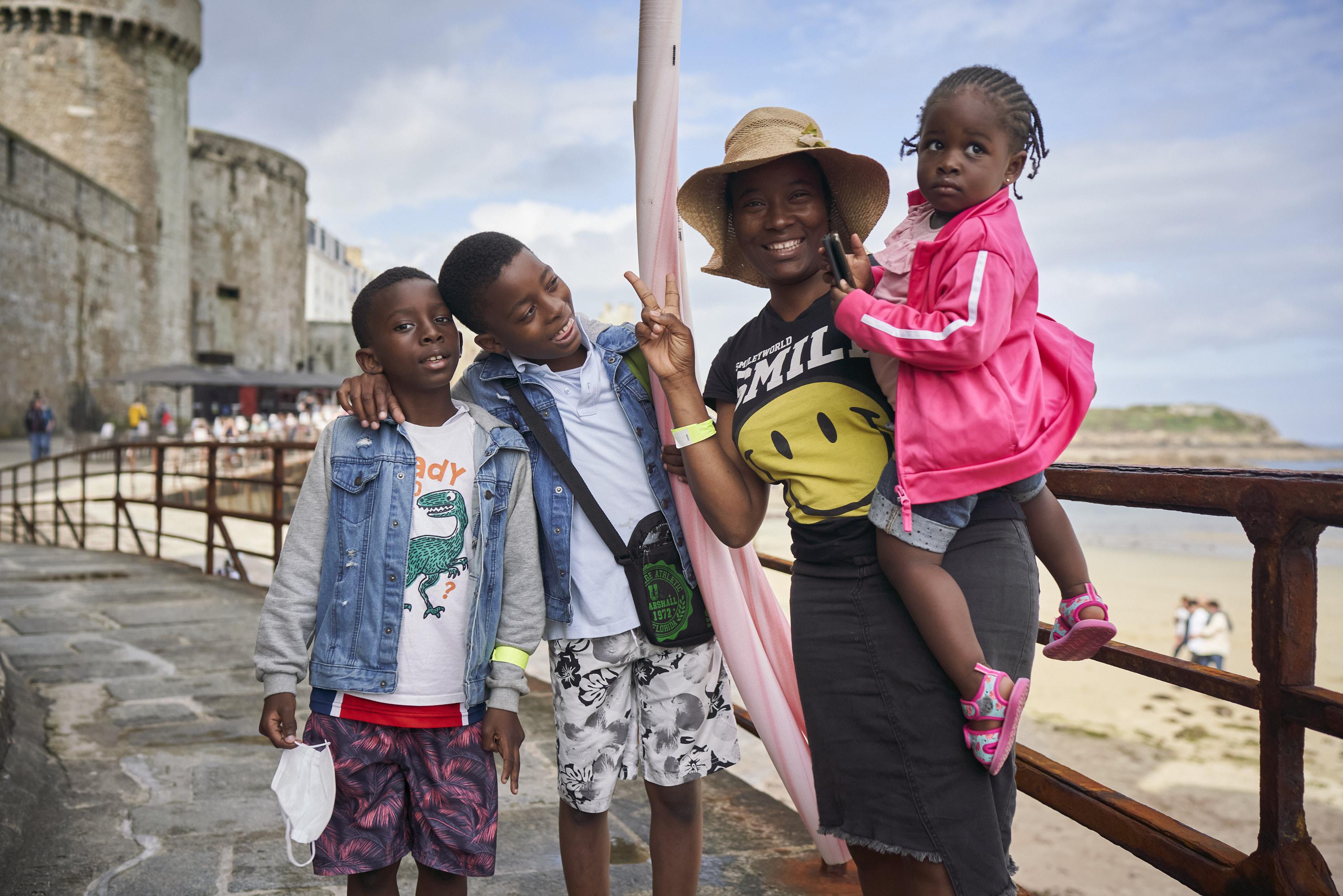 La parenthèse de Saint-Malo a mis la famille de Neid de bonne humeur, après une année difficile. Pedro (au milieu) attendait avec impatience une glace à l'italienne.