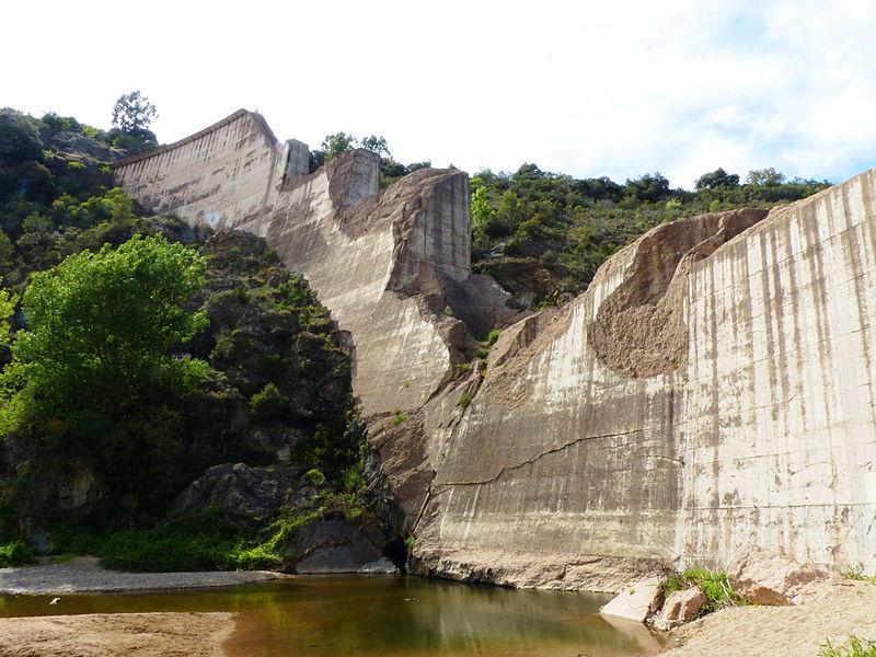 Cliquez sur cette photo pour voir un reportage de 1959 sur la rupture du barrage de Malpasset (INA).eportage de 1959 sur la rupture du barrage de Malpasset.