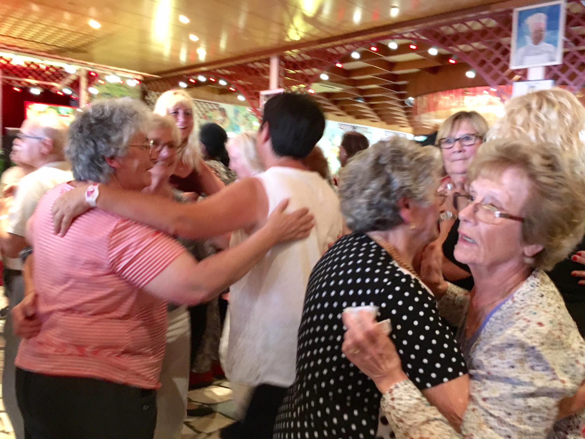 Le 18 août, 400 personnes âgées aidées par le SPF ont profité d'une journée de fête sur les bords de Marne.