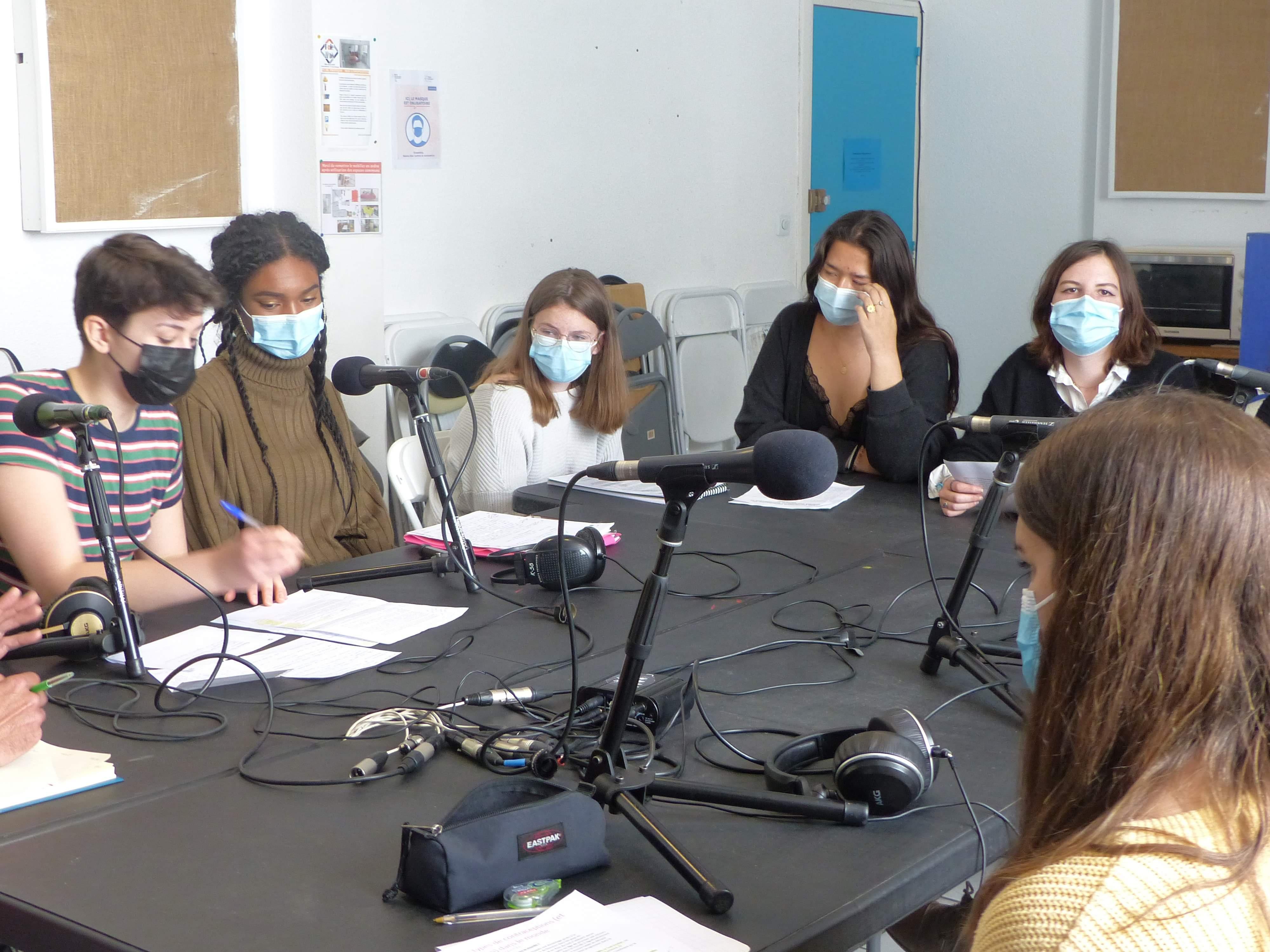 Les lycéennes ont réalisé une première émission de radio sur une station au public constitué d'ado et d'étudiants